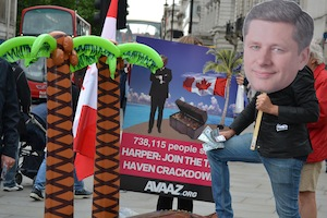 Avaazers in action urging PM Harper to take action on tax